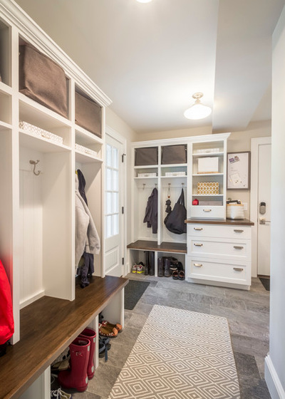 Chris-Lee-Homes-mud-room-open-shelves-control-center