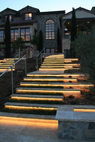 chris-lee-homes-LED-lighting-outdoor-steps