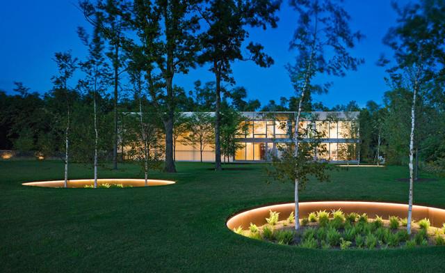 chris-lee-homes-lawn-LED-lighting