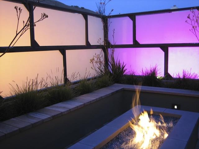 chris-lee-homes-LED-lighting-patio-fence