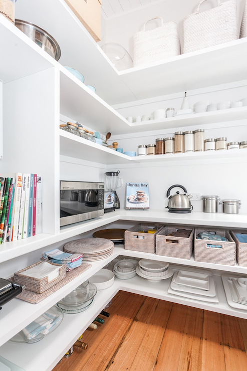 chris-lee-homes-driving-home-feature-designs-2016-walk-in-pantry